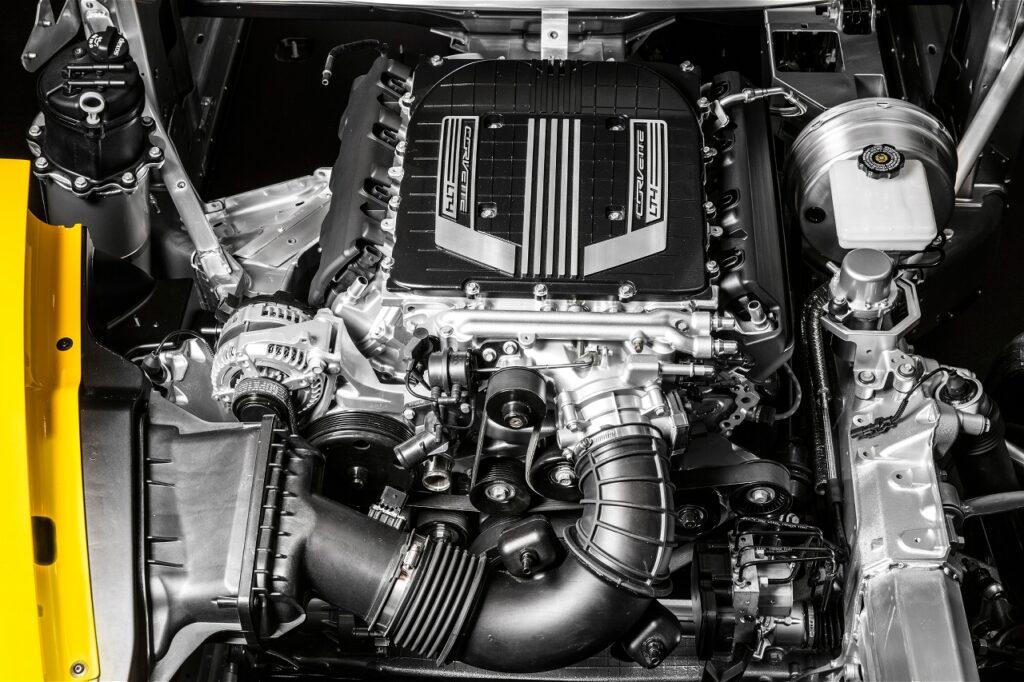 A motor: 625 lónak ad helyet!