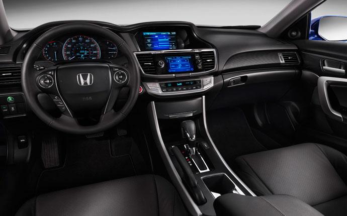 Honda Accord coupe beltér