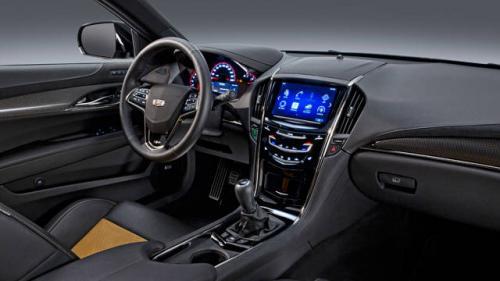 Gazdagon felszerelt a Cadillac ATS-V Coupé beltere